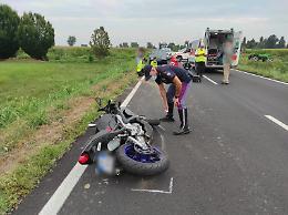 Perde il controllo della moto, grave incidente a Chieve