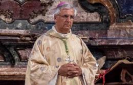 """Il vescovo: """"Incendi e devastazioni, insieme salviamo il pianeta"""""""