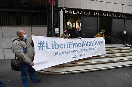Eutanasia legale,  i promotori del referendum: raggiunte 500 mila firme