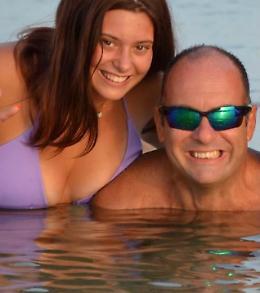Due  «eroi» a   Palinuro: Paolo e Cate salvano due persone dalle onde