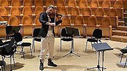 """David Garrett a Cremona suona """"Il cannone giramondo"""""""