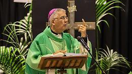 No vax, il vescovo Napolioni: «Quei 'no' pesano, ma non giudichiamo»