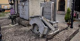 Vandali e ladri fra le tombe ad Agoiolo e Vicobellignano