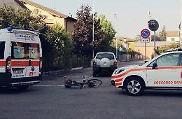 Ciclista 61enne investita da auto, intervento dell'eliambulanza