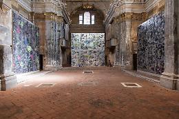 La storica chiesa sconsacrata di San Carlo rinasce con l'arte contemporanea