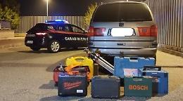 Auto rubata e attrezzi da lavoro nel baule: quattro denunce per ricettazione