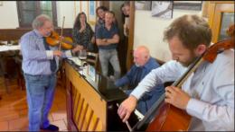 Quattro giganti della musica per un concerto improvvisato in osteria