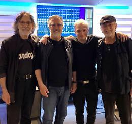 PFM, Bertolotti in studio di registrazione con i giganti del prog