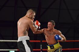 Domani sera Esposito difende la cintura