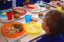 Pandino, per gli alunni pranzare in mensa costa di più