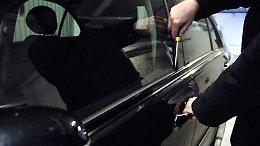 Tenta di rubare all'interno di un'auto parcheggiata, denunciato 23enne