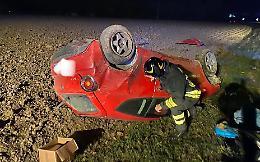 Pauroso fuori strada con l'auto, ferito 34enne di Cremona