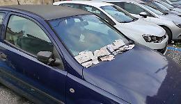 Automobile ferma da settimane nello stallo blu, multe a raffica