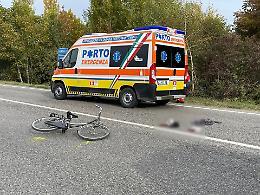 Si immette sulla Giuseppina e viene investito, ciclista in ospedale