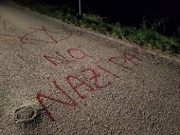 Scritta no vax nel cuore della notte, la condanna del sindaco Mariani