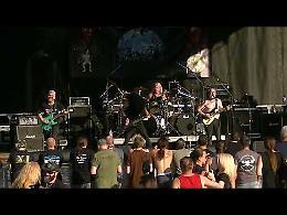 VIDEO L'esibizione della band Suicide Solution