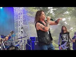 VIDEO L'esibizione della band Reece