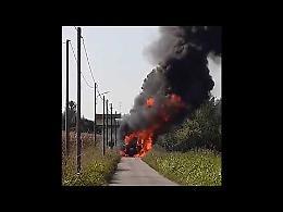VIDEO L'incendio della mietitrebbia