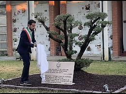 Pizzighettone, lapide e ulivo per ricordare le vittime del Covid-19