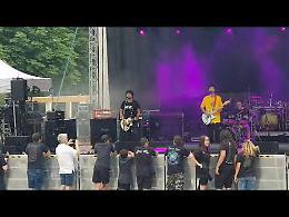 VIDEO L'esibizione della band Dead Beat Soul