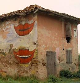 """Cinema sotto le stelle: """"La casa dalle finestre che ridono"""""""