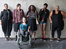 Disabilità, Palazzo Lombardia si tinge di viola per #WeThe15