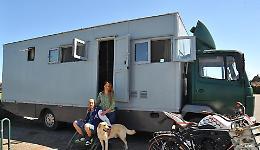 Un camion per casa: la vita di coppia è on the road