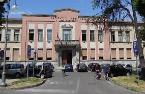 Istituto Sanfelice, allarme crepe post terremoto