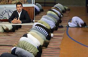 Ipotesi moschea, Lega all'attacco