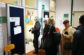 Referendum costituzionale, alle 12 ha votato il 25,3%