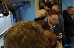 Pendolari cremaschi, treno soppresso: niente avvisi, caos e ritardi