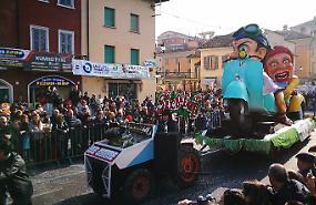 Tradizione cremasca e folclore, folla alla Gran Carnevale