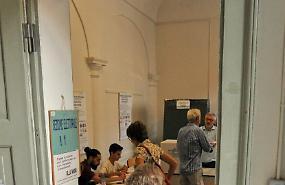 FOTO Cremaschi al voto per il ballottaggio Bonaldi-Zucchi