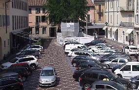 Piazza Moro, tre giorni senza auto, commercianti in rivolta