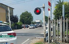 Si guasta una sbarra, traffico in tilt in via Cremona