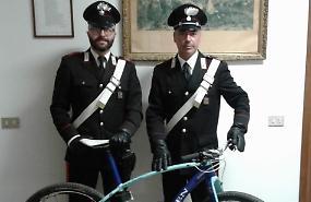 In sella a una bici rubata, denunciato un 18enne di Rivolta