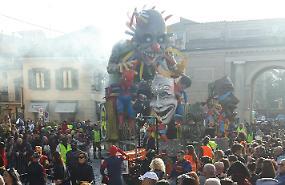 Carnevale cremasco, i carri non perdono la casa