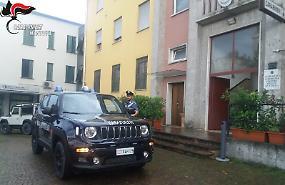 Denuncia il furto dell'auto, i carabinieri la ritrovano ma senza assicurazione: multato