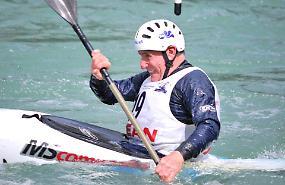 Fiaccolata in canoa per ricordare l'amico Sergio