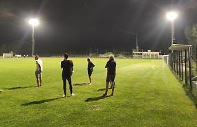 Campo sportivo, illuminazione collaudata: più luce e meno costi