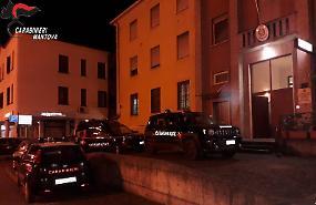 Tenta di strappare una borsetta, arrestato dai carabinieri