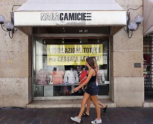 the best attitude 9d2fa 7e9f4 Commercio, chiudono 'Nara camicie' e 'Da leccarsi i baffi ...