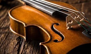 Rilancio turistico di Cremona con lo Stradivari in Galleria a Milano