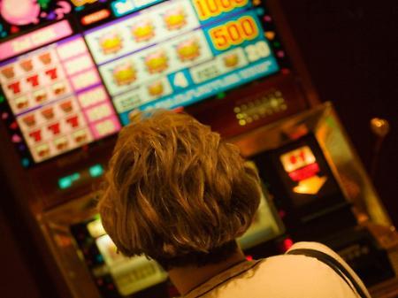 Gioco d'azzardo, sette sanzioni