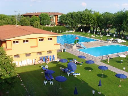 Piscine e palestra a 39 secco 39 la provincia - Arrigoni piscine ...