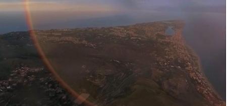 Spettacolo a Messina, l'arcobaleno è un cerchio colorato: la ripresa dal drone
