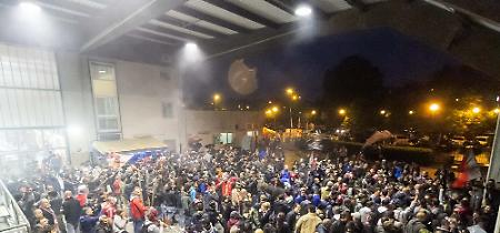 FOTO Cremonese in Serie B: la squadra in trionfo al Bocciodromo