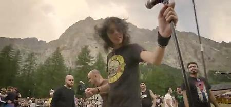 Rockin'1000: la mega band di mille musicisti in concerto sul Monte Bianco