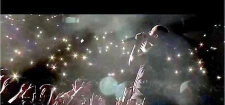 Linkin Park: un concerto e un video, il tributo della band a Chester Bennington