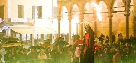 FOTO Festa del Torrone, lo spettacolo di sabato 25 novembre